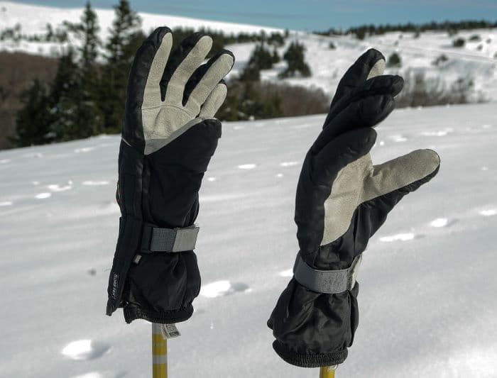 ski gloves for sweaty hands